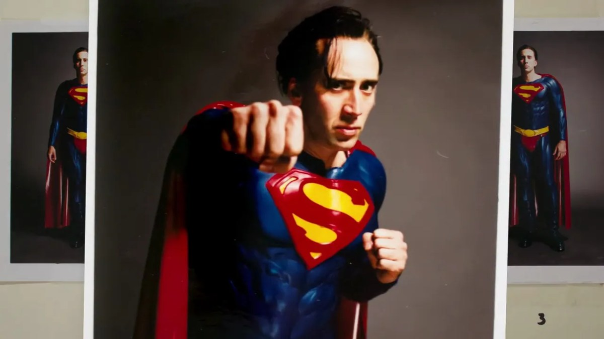 Michael Keaton and Nicholas Cage talk about Tim Burton's Batman 3 & Superman Lives.