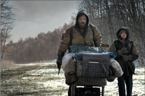 Viggo Mortensen and Kodi Smit-McPhee in The Road / Icon