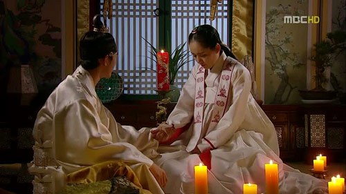 Moon-Embracing-Sun-final