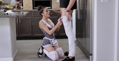 Filme xxx cu sexy Eva Long servitoare fututa 2019 . 1