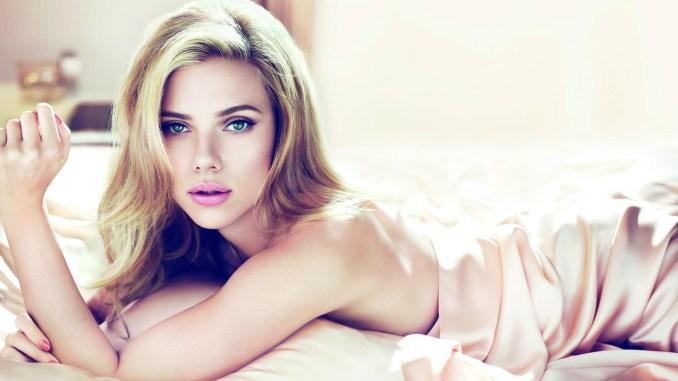 Scarlett-Johansson-Blue-Eyes-Full-HD-Wallpaper-2