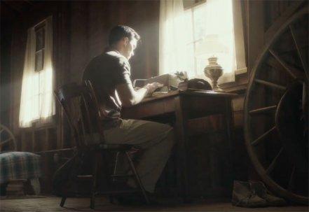 Rebel in the Rye trailer met Nicholas Hoult als J.D. Salinger