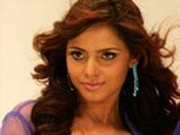 Neetu Shares Apartment With Three Anupam