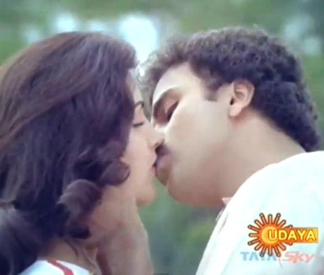 Ravichandran And Kushboo In Anjada Gandu