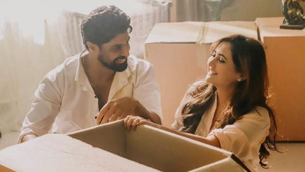 Rashami Desai Praises Her Tandoor Co-Star Tanuj Virwani; Says 'He Is A Very Fun-Loving Person'