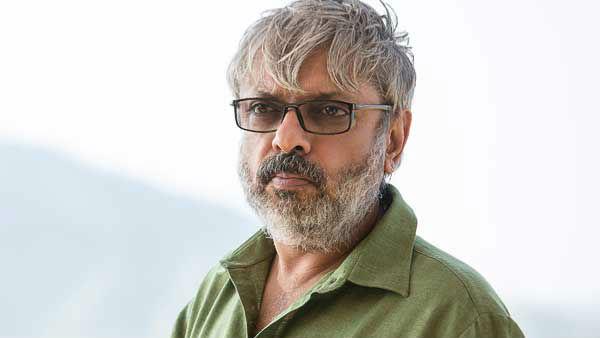 did-sanjay-leela-bhansali-put-izhaar-with-shah-rukh-khan-on-back-burner