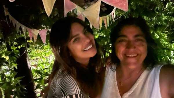 Priyanka Chopra Polished Off 8 Rotis With Filmmaker Gurinder Chadha Actress Says She Is A Homesick Desi bollywood news
