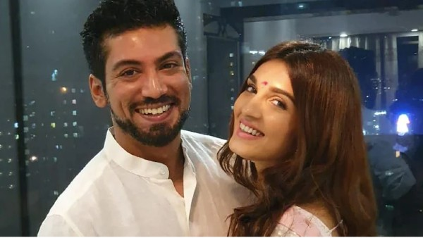 Pandya Store's Shiny Doshi Announces Her Engagement With Beau Lavesh Khairajani On Social Media, Shares Video