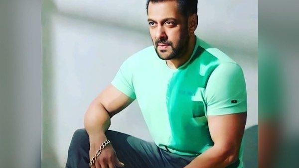 Salman Khan To Star In Hindi Remake Of Thalapathy Vijay Starrer Master?