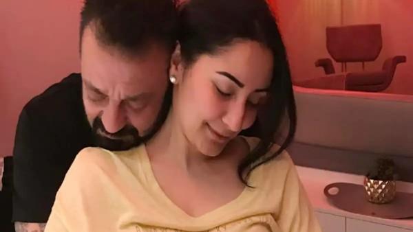 Sanjay Dutt Needs Spouse Maanayata On Her Birthday; 'Tere Bina Mai Kya, Kuch Bhi Nahi'