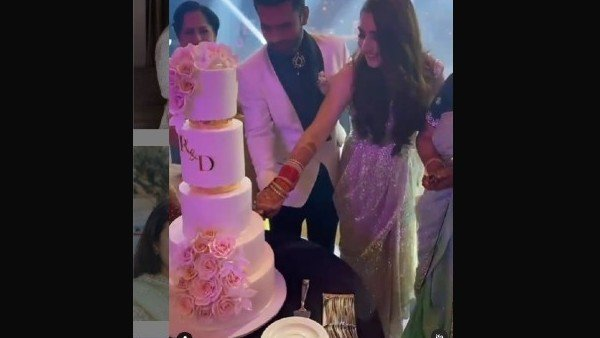 The Couple Cut 5-Tier Cake