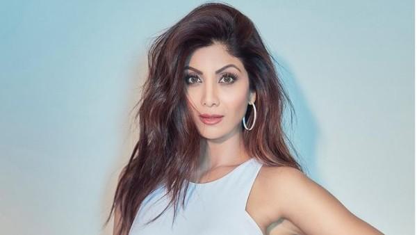 सुपर डांसर 4: काम पर लौटीं शिल्पा शेट्टी;  हिना खान ने गले और प्रशंसकों को भेजा 'मजबूत रहो'