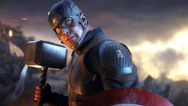 क्रिस इवांस नई शानदार चार फिल्म के लिए कप्तान अमेरिका के रूप में वापसी करेंगे?