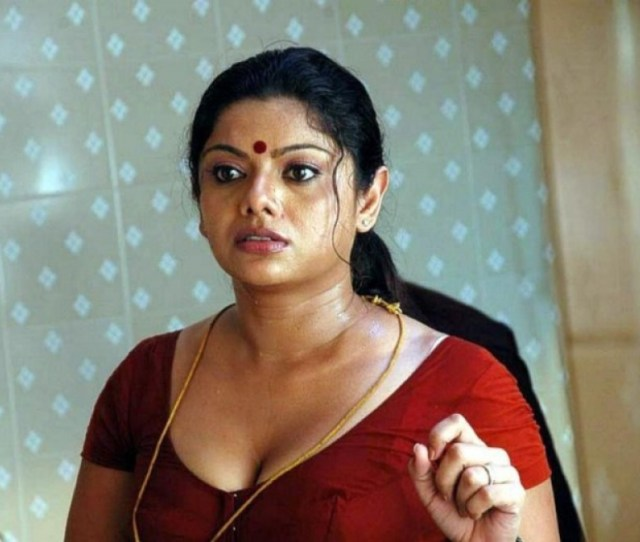South Indian Actress Hot Cleavage_1453378737180 Jpg