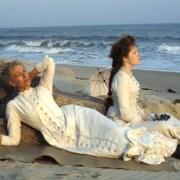 BOSTONIANS: مثلث عشق غیر متعارف یک تجار کلاسیک عاج مرکز است