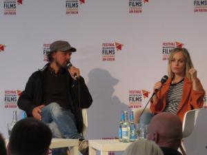 """Regisseur Lars Jessen (l) und Schauspielerin Friederike Kempter (r) nach ihrem Film """"Jürgen – Heute wird gelebt"""""""
