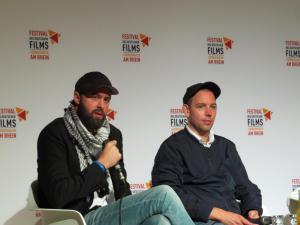Regisseur Mickey Yamine und Produzent Philip Gnadt