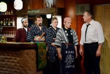 Von links: Sherwan Haji (Khaled), Ilkka Koivula (Calamnius), Nuppu Koivu (Mirja), Janne Hyytiäinen (Nyrhinen), Sakari Kuosmanen (Wikström)