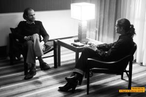 Trotz ihrer Vorbehalte gegenüber der deutschen Presse willigt Romy Schneider (Marie Bäumer) in ein Interview mit dem STERN-Reporter Michael Jürgs (Robert Gwisdek) ein