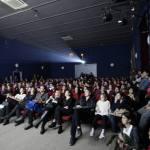 izmir-uluslararasi-kisa-film-festivali-8-açılış filmi-filmloverss