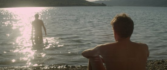 goldeki-yabanci-1-filmloverss