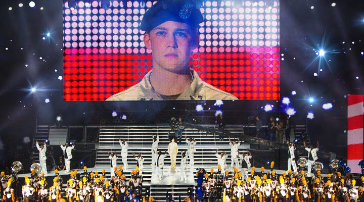 Billy-Lynn-lon-halftime-walk-FilmLoverss