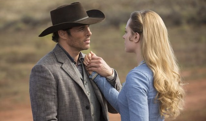 westworld-1-sezon-3-bolum-teddy-dolores-filmloverss