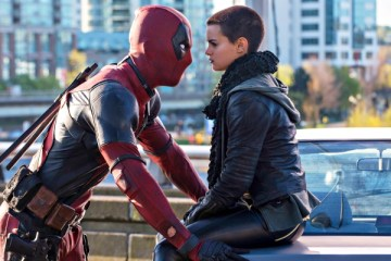 Deadpool (Ryan Reynolds) doesn't really see eye-to-eye with Negasonic Teenage Warhead (Brianna Hildebrand).