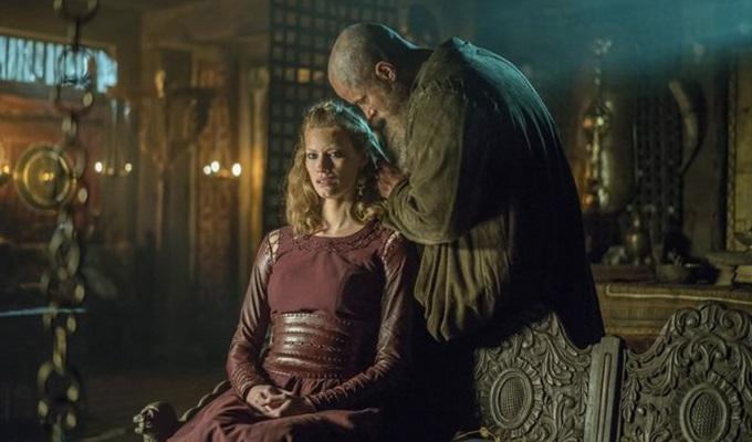 vikings-4-sezon-12-bolum-aslaug-filmloverss
