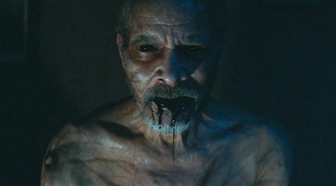 psikolojik-gerilim-turundeki-it-comes-at-night-tan-urkutucu-bir-fragman-yayinlandi-filmloverss