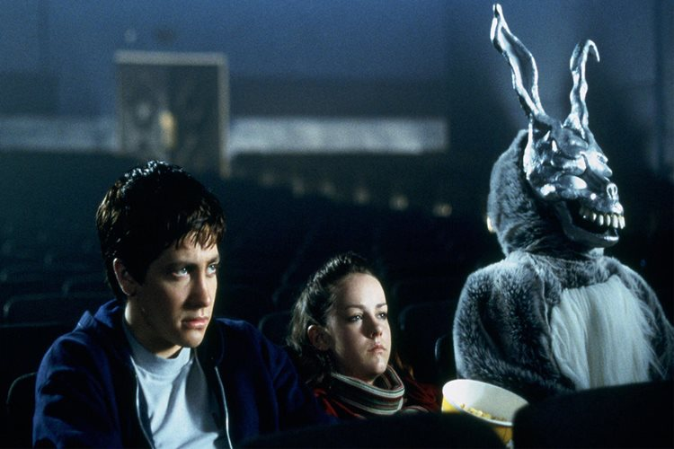 filmlerdeki-karakterlerin-sinemada-film-izlemesi-donnie-darko-filmloverss