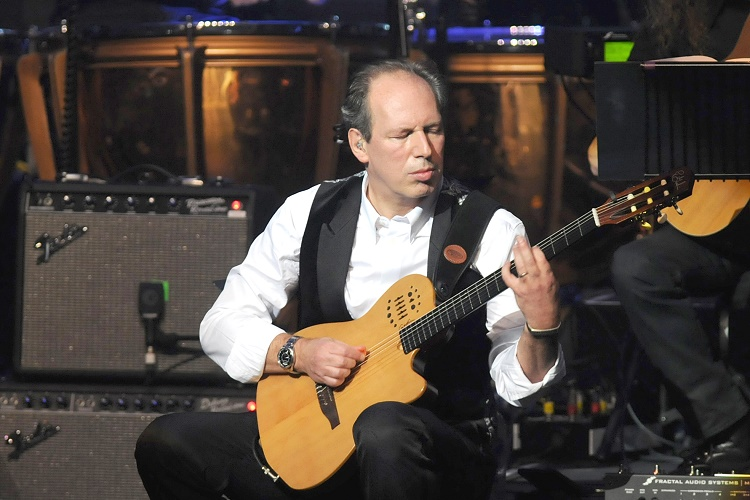 HANS ZIMMER PERFORMING MUSIC FROM HIS MOVIE SCORES (BATMAN, THIN RED LINE, PIRATES OF CARIBBEAN -AND OTHERS) SPECIAL GUESTS JOHNNY MARR AND PHARRELL WILLIAMS HAMMERMITH APOLLO LONDON 11/10/2014 PHOTOGRAPH BY: ANGELA LUBRANO PLEASE CONTACT: LIVEPIX Mobile : 07958 961 625 e-mail: live@livepix.biz