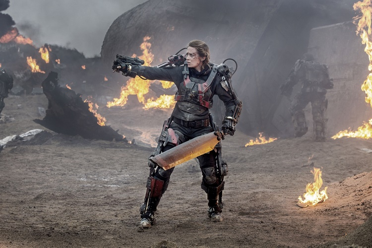 edge-of-tomorrow-un-final-sahnesinin-gizemi-devam-filminde-acikliga-kavusacak-2-filmloverss