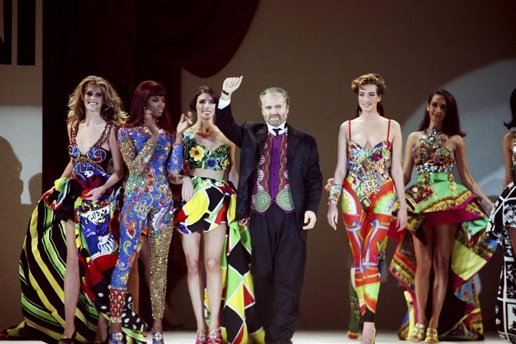 antonio-banderasli-versace-filmi-iptal-edildi-2-filmloverss