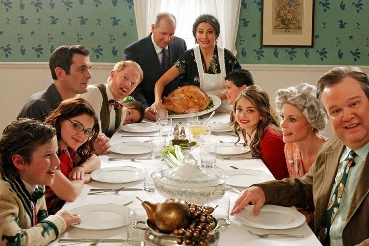 Modern Family2 - FilmLoverss