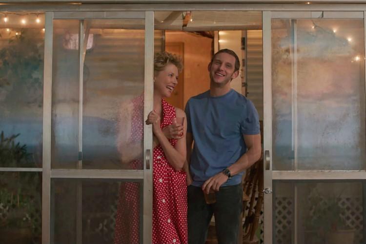 Film-Stars-Dont-Die-In-Liverpool-6-filmloverss