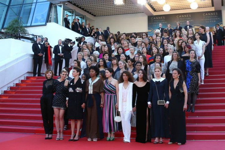 71-cannes-film-fsetival-women-march-filmloverss