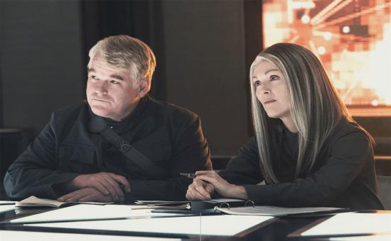 Mockingjay-Part-1-Hoffman-filmloverss