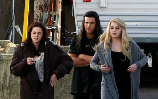 Photos From The Set of New Moon Courtesy of filmofilia.com