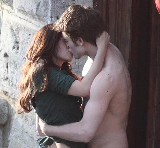 New Moon | Robert Pattinson and Kristen Stewart
