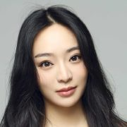 Kunjue Li Receives 'Young Icon Award' at BAFTA