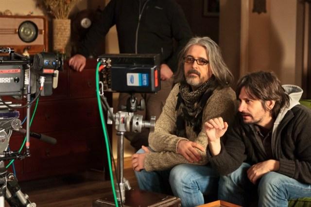 Constantin Popescu şi Adrian Sitaru la filmări. Foto: Adi Marineci