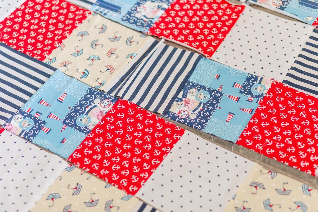In 4 Schritten zur Babydecke: Material und Zuschnitt!