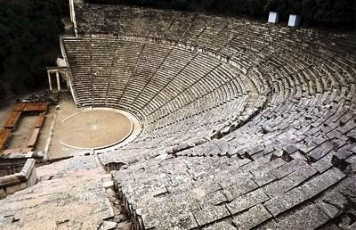 Ζητήματα αρχαίου θεάτρου σε μορφή ερωταποκρίσεων: (5) Απαρχές και εξέλιξη του αρχαίου ελληνικού θεάτρου