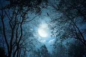 Φεγγάρι μη μας φεύγεις…