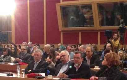 """Ο Κώστας Γαβρόγλου και ο Γιάννης Παντής στην εκδήλωση κατά της διαφθοράς με τίτλο """"Παίζω τίμια: οι νέοι αλλάζουν το παιχνίδι"""""""