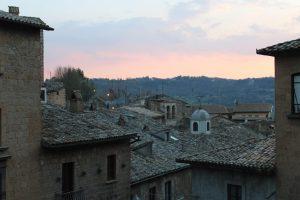 Orvieto si colora di rosa al tramonto