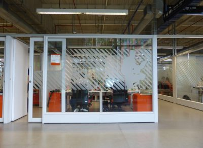 One of Blokwise's configurable office spaces in Ruta-N's Technology business incubator in Medellín.