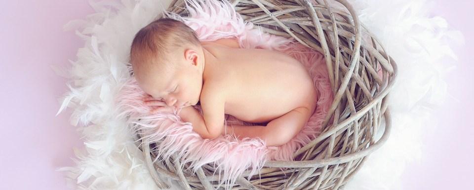 Baby Checklist: The Essentials a Newborn Really Needs