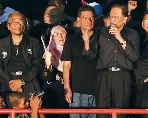 Kelana Jaya Stadium Rally 8-May-2013 - Anwar Speaks